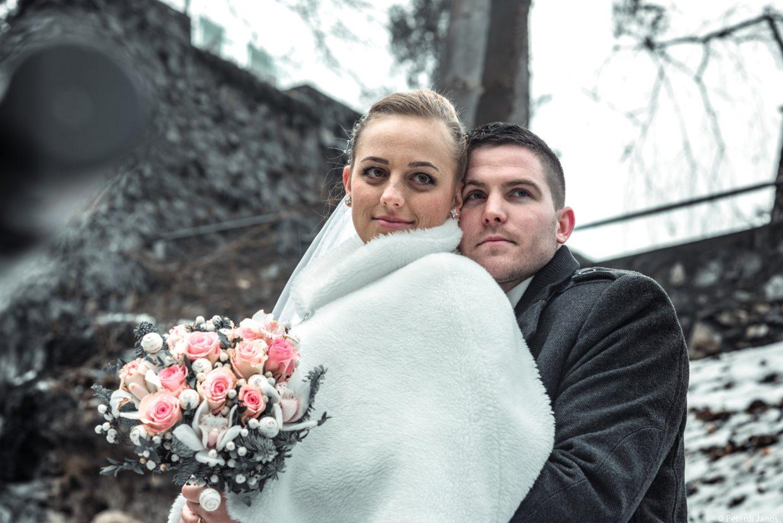 Winter creative wedding session